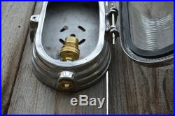 COOL ART DECO STYLE POLISHED METAL WALL BULKHEAD LIGHT WITH RIBBED GLASS LENS AD